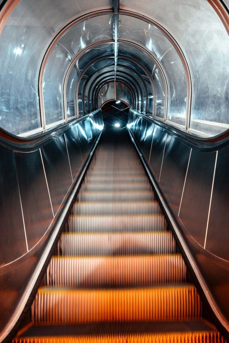 escalator-perrache-lyon-gui2raw